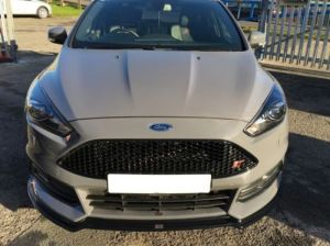 Cup Spoilerlippe Front Diffusor Schwarz Glanz v.3 Ford Focus ST MK3 Facelift